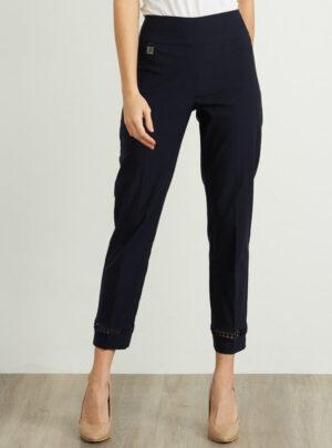 Pantaloni Capri con dettagli intagliati