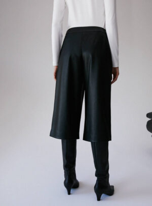 Culotte pants in jersey spalmato