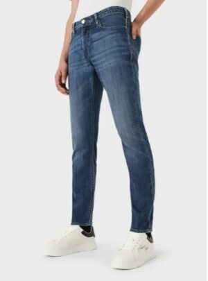 Jeans J06 slim fit in comfort denim twill